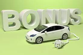 modello auto con spina e scritta bonus