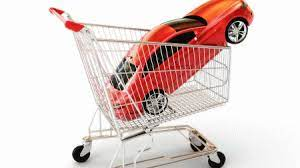modelloauto dentro carrello della spesa